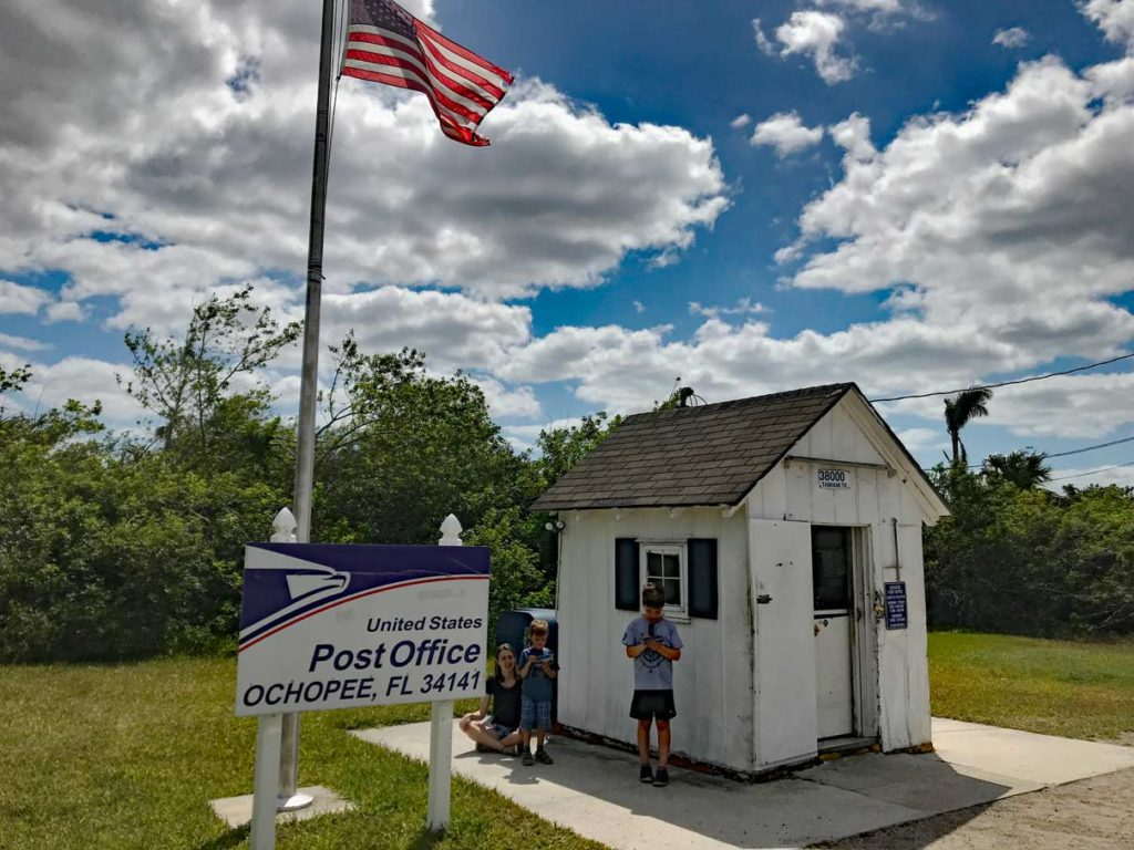 Ochopee-Post-Office-Everglades-Florida-kleinstes-postamt