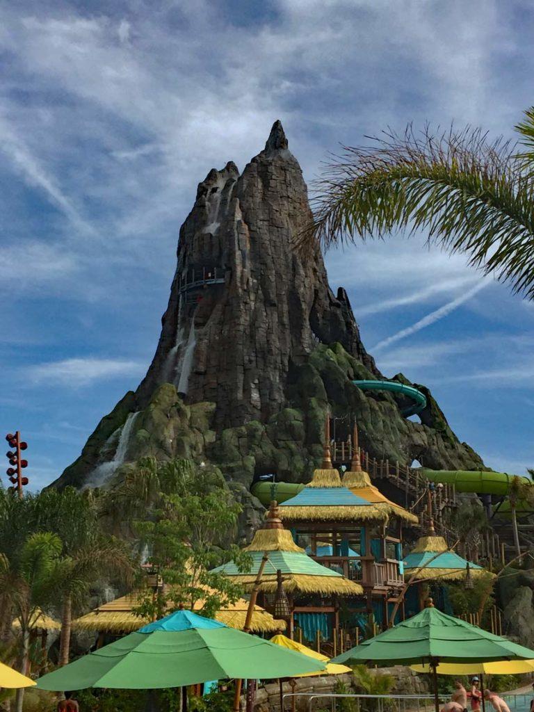 Universal-Studios-Volcano-Bay-Orlando