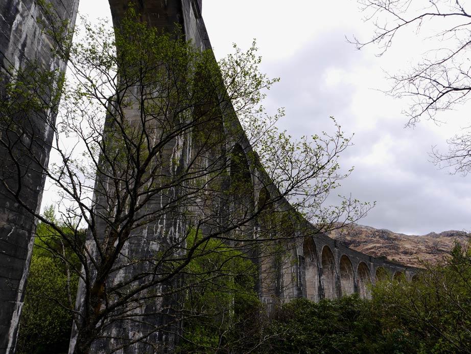 Zugbrücke Glennfinnan in Schottland