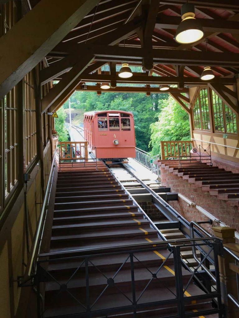 Heidelberger-Bergbahn-mit-Kindern