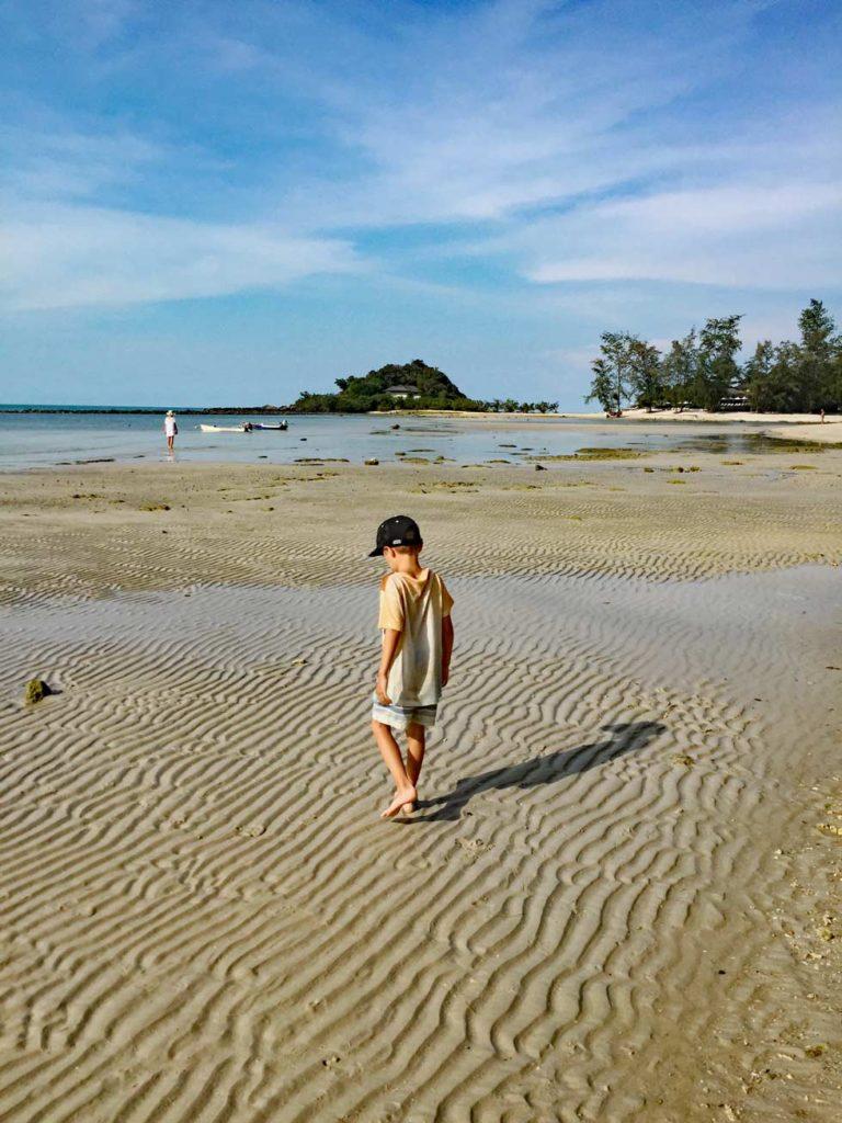 choeng_mon_beach_mit_kindern