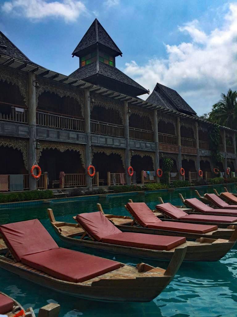 santhiya_koh_phangan_pool