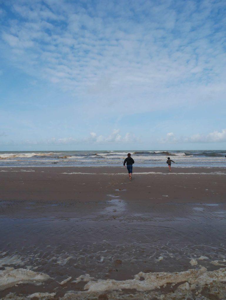 holland_egmond_an_zee_strandfamilie