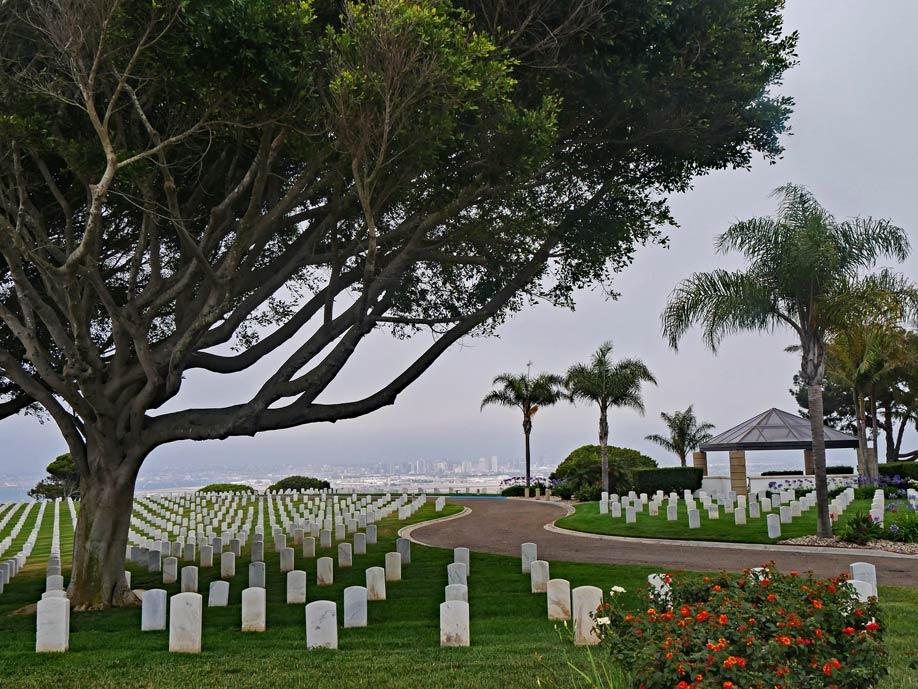 fort-rosecrans-national-cemetery-san-diego-mit-kindern