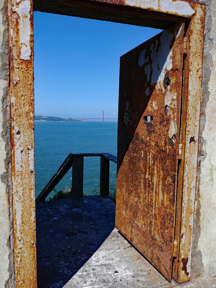 golden_gate_bridge_alcatraz_gefaengnishof