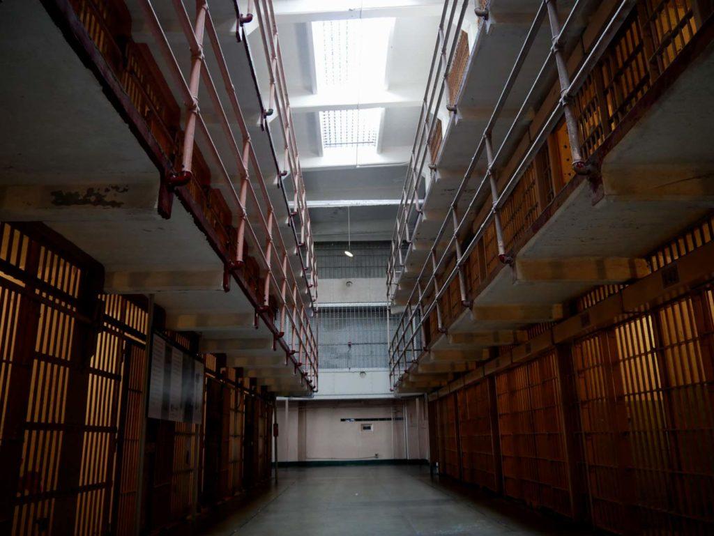 zellentrakt_alcatraz_san_francisco_mit_kindern-reisehighlight2019