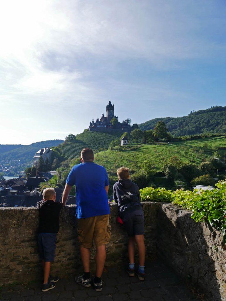 strandfamilie-reichsburg-cochem-mit-kindern