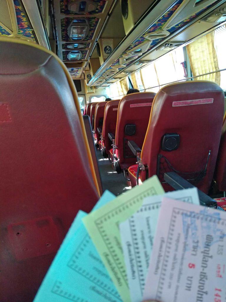 busfahrt-phitsanulok-nach-sukhothai-mit-kindern