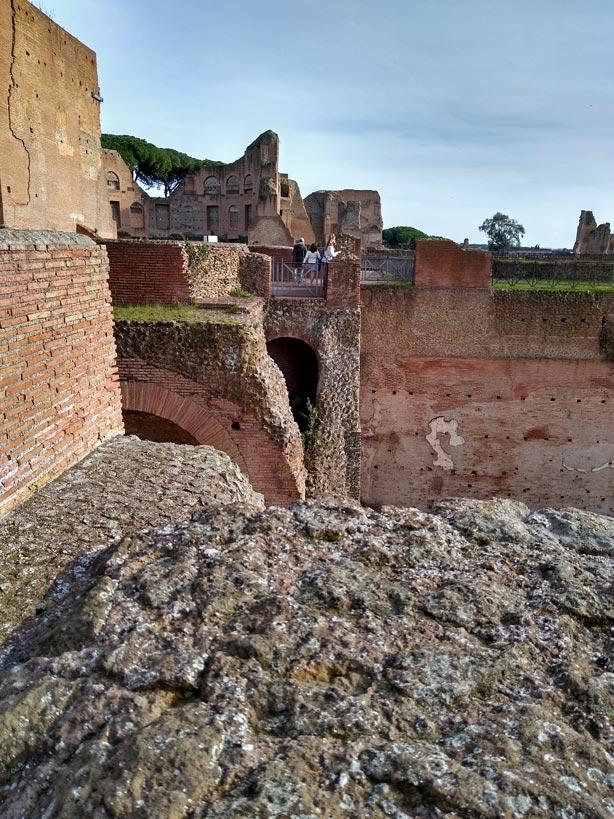 ruinen-kaiserpalast-palatin-rom-mit-kindern