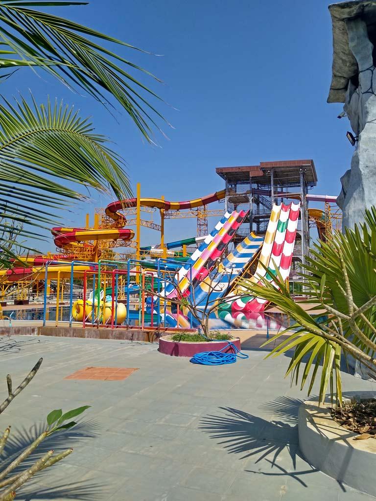 splash-fun-water-park-phitsanulok-mit-kindern