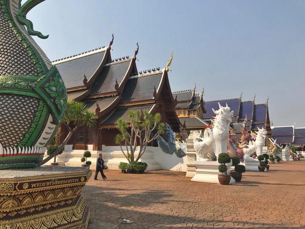 tempel wat banden chiang mai mit kindern
