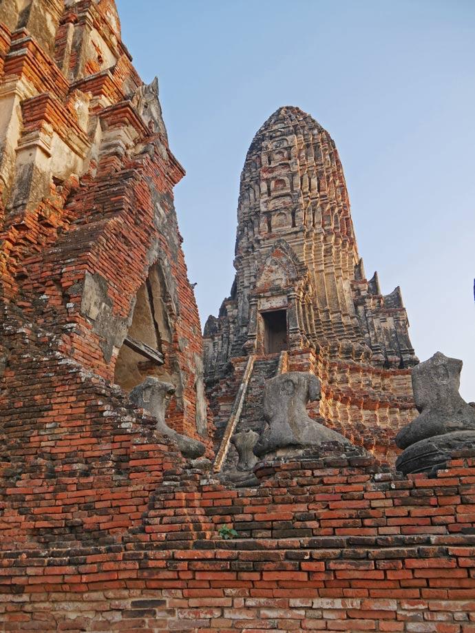 wat-chaiwattanaram-ayutthaya-mit-kind