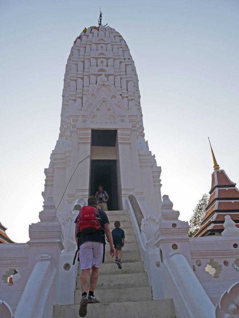 wat phutthai sawan ayutthaya bootsfahrt mit kindern