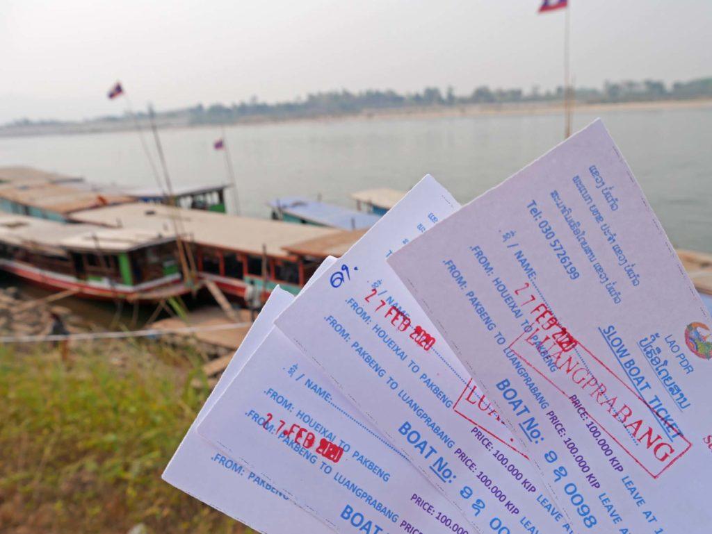 slowboat-mekong-laos-mit-kindern