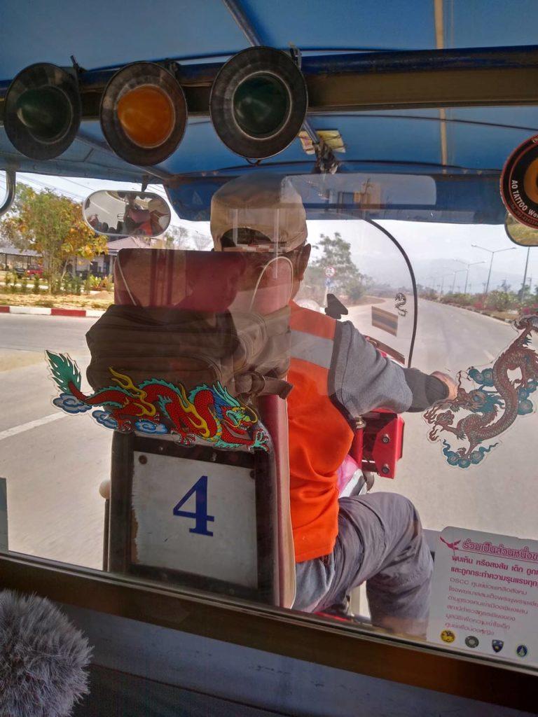 tuktuk fortbewegung luang prabang mi kindern