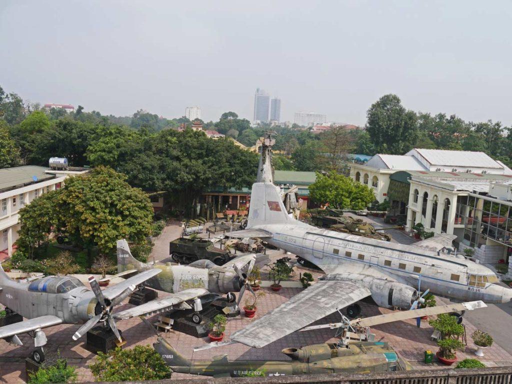 vietnam-military-history-museum-hanoi-mit-kindern