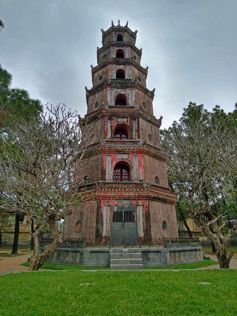 thien-mu-pagode-hue-mit-kindern