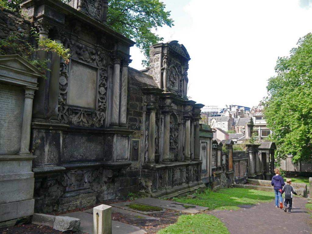 greyfriars kirkyard edinburgh schottland