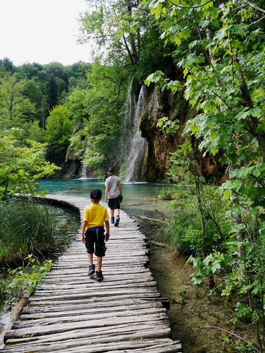 roadtrip-kroatien-wanderrouten-plitvicer-seen-mit-kindern
