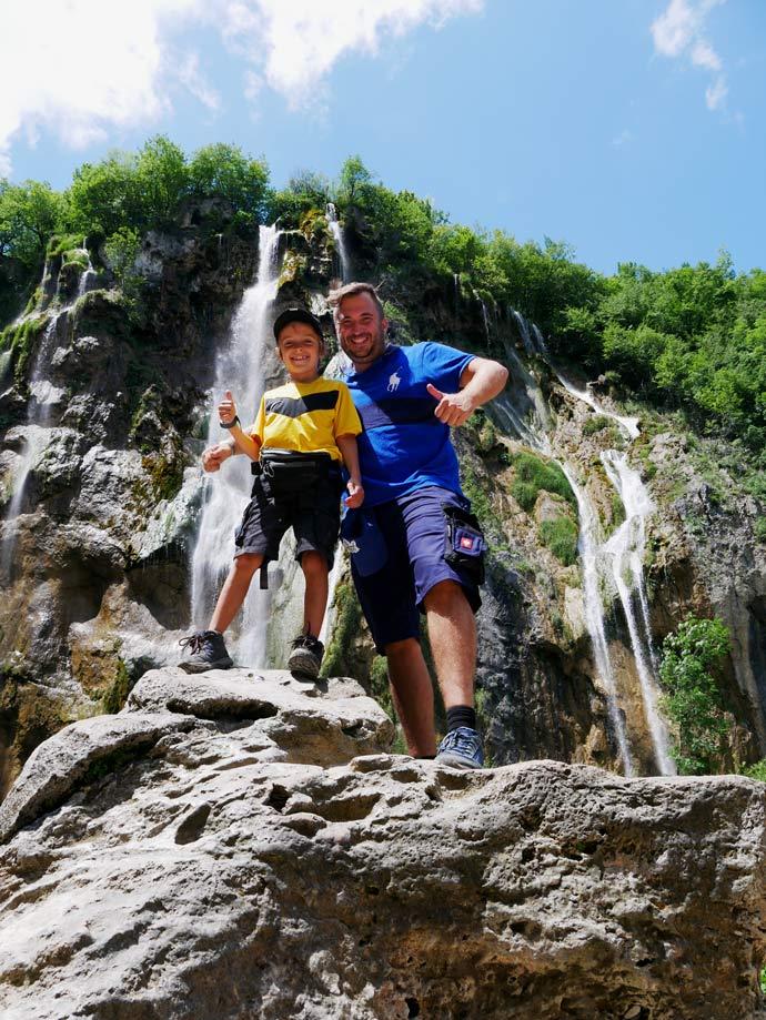wasserfall kroatien plitvicer seen mit kindern