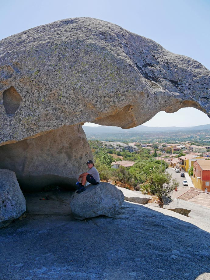 arzachena la roccia del fungo sardinien mit kindern