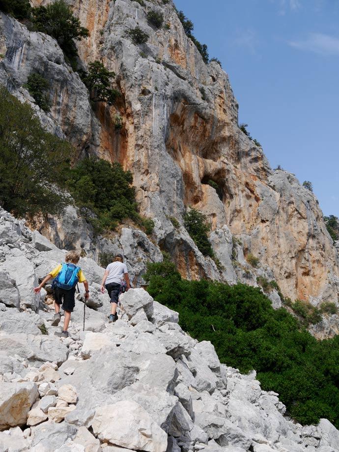 gola gorropu canyon schlucht wandern sardinien mit kindern