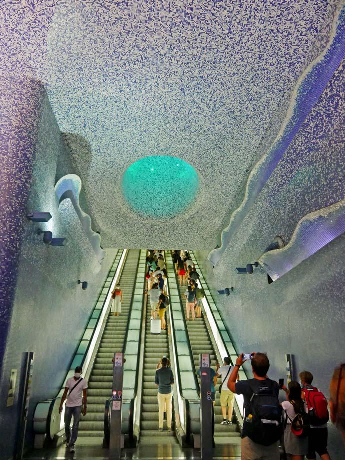 metro-linie-1-toledo-neapel-mit-kindern