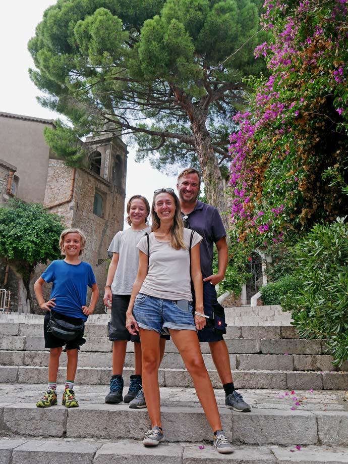 strandfamilie-sizilien-taormina