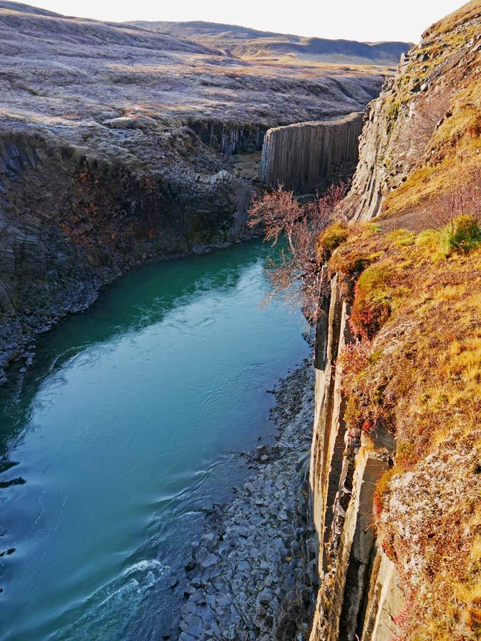 studlagil-canyon-ost-island-mit-kindern