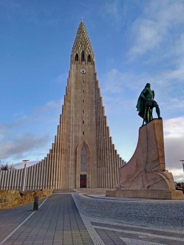hallgrimskirche-reykjavik-mit-kindern-roadtrip-island