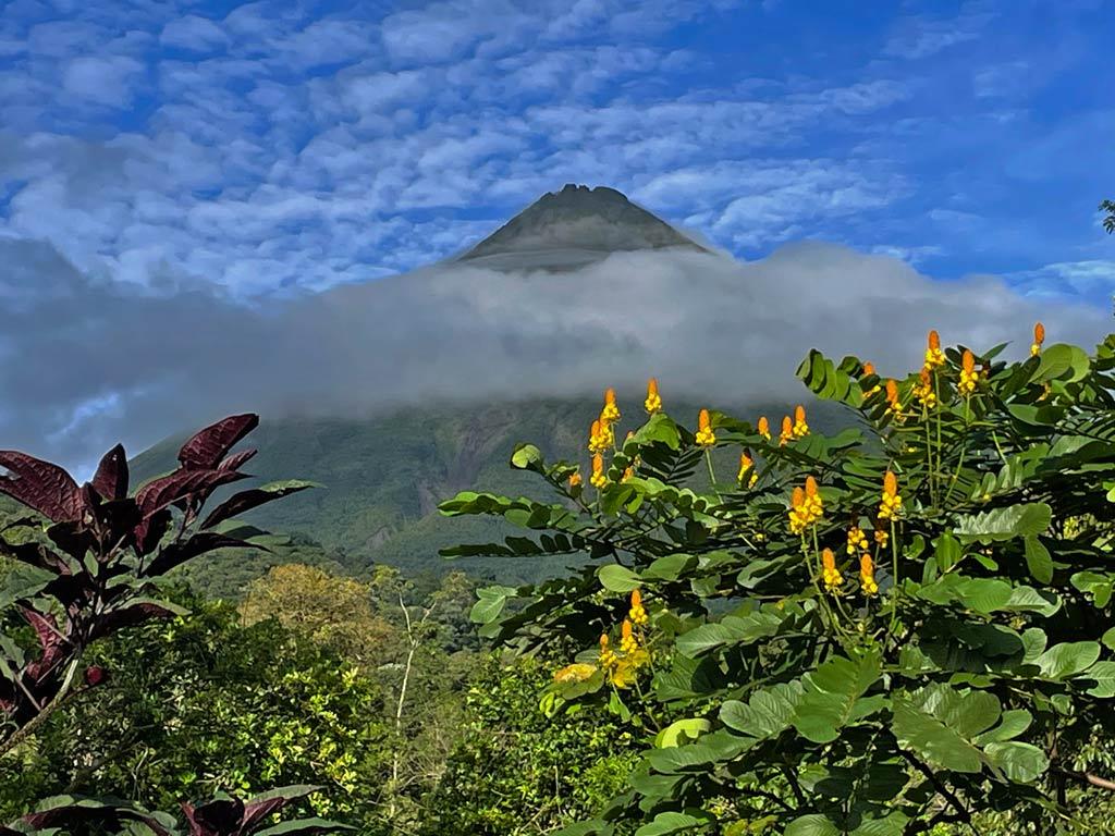 vulkan-arenal-mit-kindern-