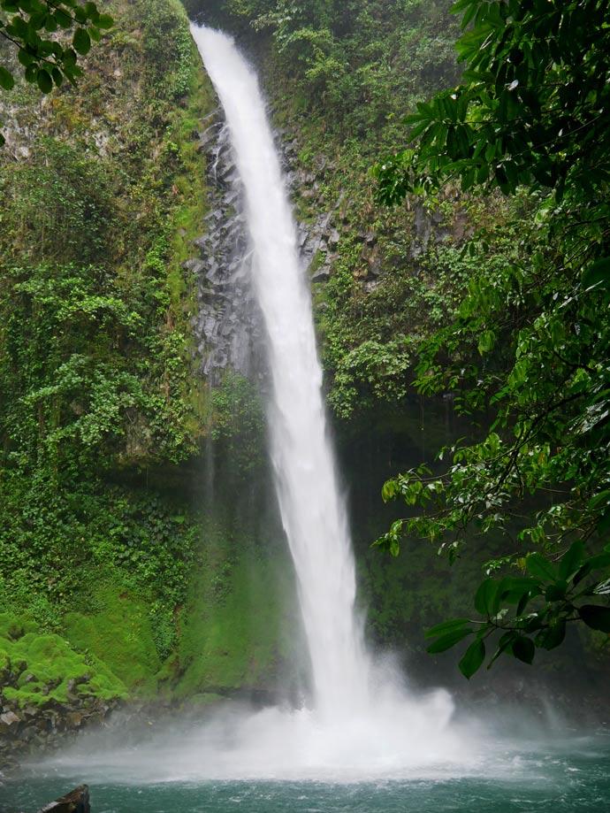 wasserfall-la-fortuna-costa-rica-mit-kindern
