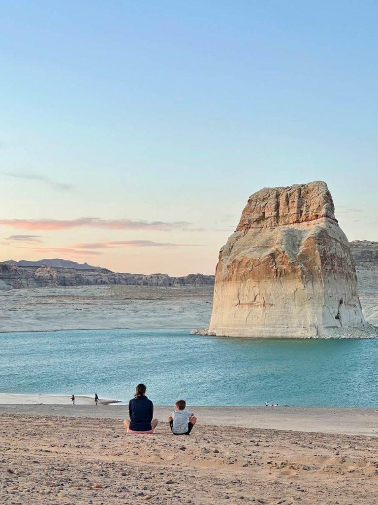 lone-rock-beach-nationalparks-der-usa