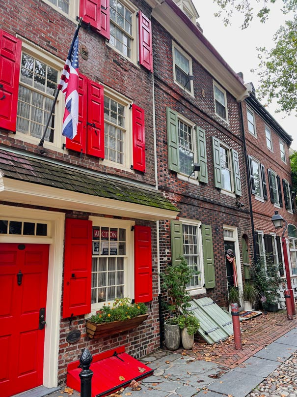 efreths-alley-highlights-philadelphia-must-see
